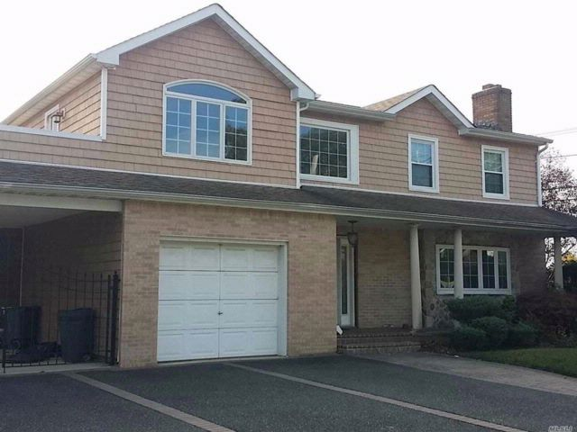 4 BR,  3.50 BTH  Colonial style home in Rockville Centre